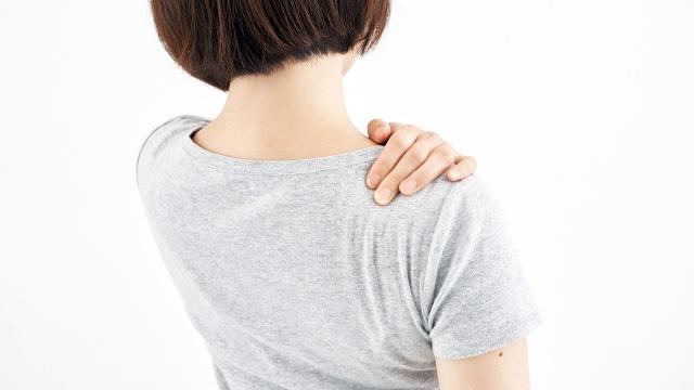 【肩こり】肩が重い!肩や首、背中に鈍痛も。カラダラボでの症例集