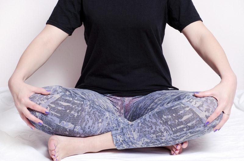産後|20代 女性「出産後にあぐらをかくと左右差があり股関節にも痛みある。」
