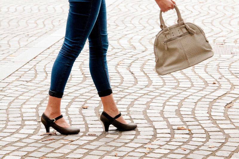 腰痛|30代 女性「歩行時に痛みと股関節の不安定感がある。」