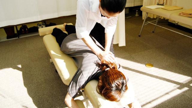 マッスルトリートメント|凝り固まった肩や腰へのマッサージ|muscle treatment