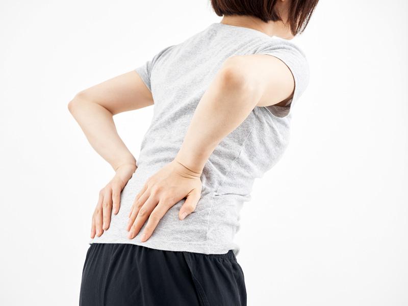 ぎっくり腰|30代 女性「前日の夕方、くしゃみをした際に腰に痛みが走り、徐々に痛みが増している。」